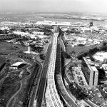 """15 - Studio di ottimizzazione del tracciato nell'area centrale del collegamento ferroviario con Roma, Aeroporto """"L. Da Vinci"""", Fiumicino (RM), per ADR - Vista aerea"""