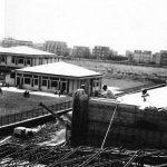19 - Scuola elementare in via Castellammare di Stabia, Ladispoli (RM); con ing. E. Marcelli Graziosi - Vista esterna