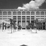 34 - Nuova sede comunale ed edificio per le Assemblee a Reggio Calabria, per Bonifica SpA - IRI Italstat; con C. Giannini - Vista esterna