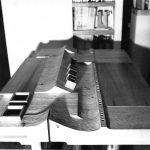 6 - Prototipo di scrivania a sezione variabile in cirmolo per la Fiera del Mobile di Milano - Vista