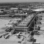 """5 - Ampliamento e ristrutturazione dell'Aeroporto """"Leonardo Da Vinci"""", Fiumicino (RM), per ADR SpA; con Studio Valle e in collaborazione con ATI Bonifica e SPEA - Vista aerea del Molo Est (EU)"""